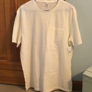 NWT! Men's GAP T-shirt